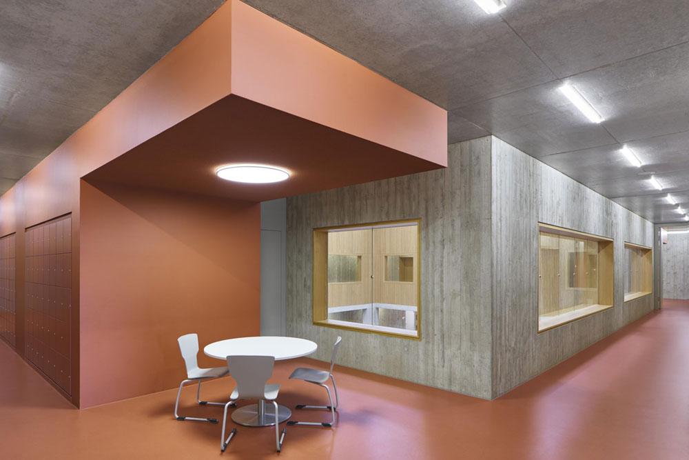 noraplan unita vereint Kautschuk und Granit in neuen Farben