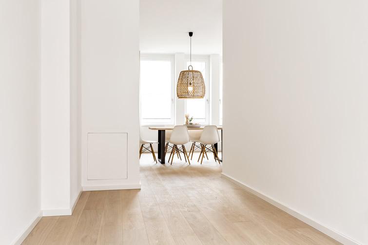 Küche und Essplatz liegen im 1. Obergeschoss (© wph)