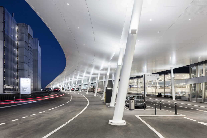 Airport (Zurich, Switzerland). Larcore A2