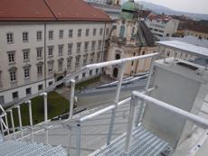 Dachbegehung auf Steildächern: FLENDER-FLUX hat die passende Lösung!