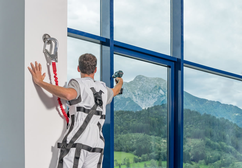 Sicherer Schutz gegen den Absturz am Bau