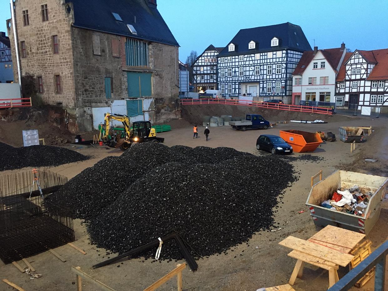 Nachhaltig: Neues Rathaus Korbach auf GLAPOR Schaumglasschotter gebettet