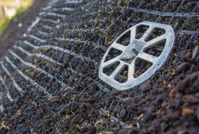 AQUASOL: Starke Befestigung für Erosionsschutzmatten