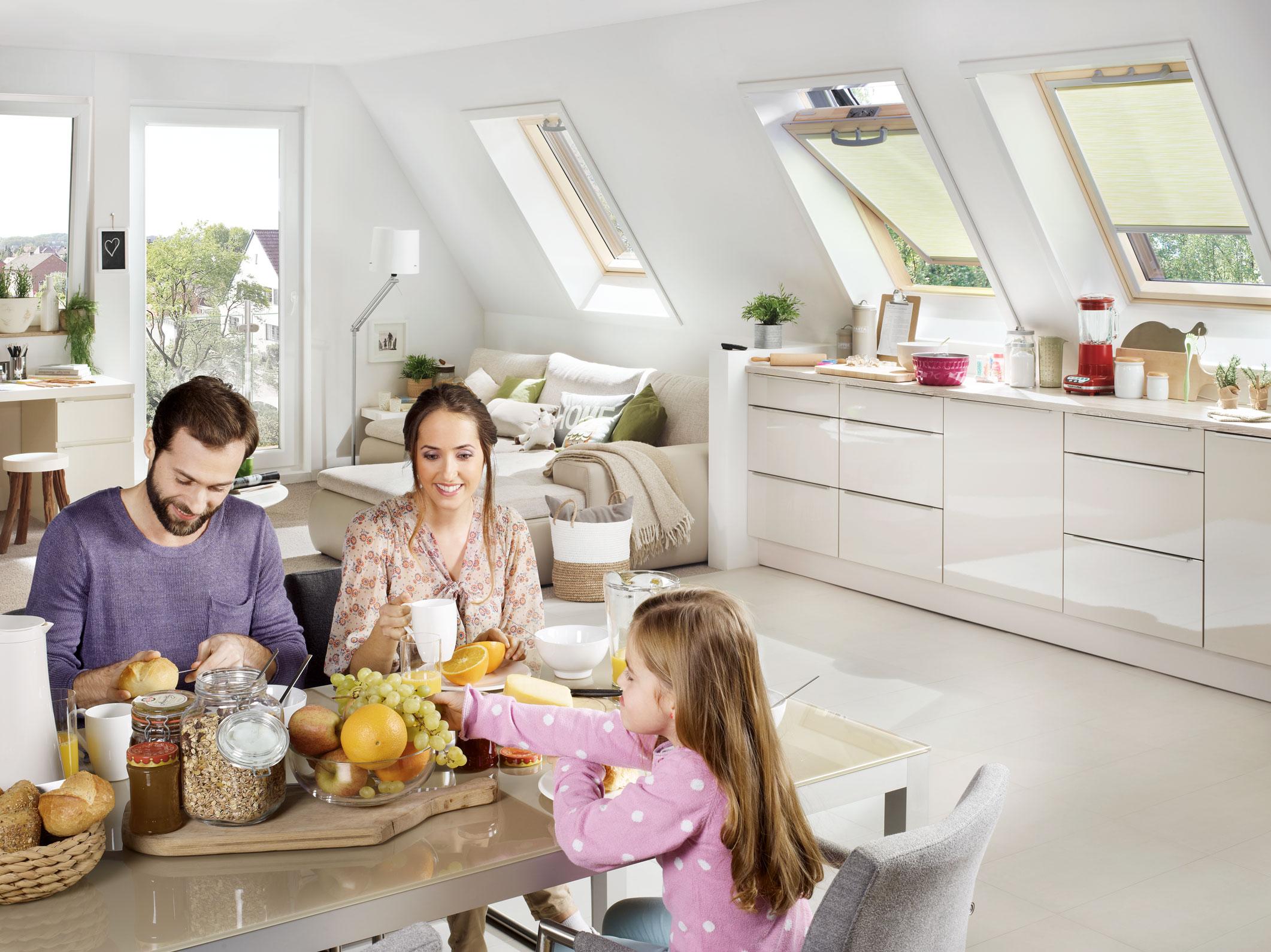 roto ein mehr an wohnqualit t sonnenschutz f r roto. Black Bedroom Furniture Sets. Home Design Ideas