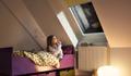 VELUX: Neues Dachflächenfenster hält Regengeräusche draußen