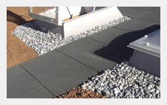 KRAIBURG: step ‒ Schutz und Sicherheit auf Flachdächern, Balkonen und Terrassen