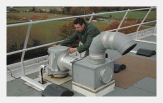 DANI ALU: Barrial-Geländersysteme aus Aluminium zur Sicherung von Flachdächern