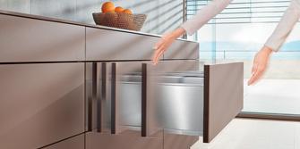 <br>BLUM: Durchgängiges Grifflos-Design im gesamten Wohnbereich