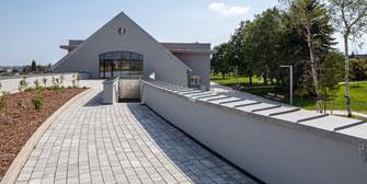 "FRIEDL STEINWERKE: Friedl Steinwerke: Steinevielfalt im ""Wildgarten"""
