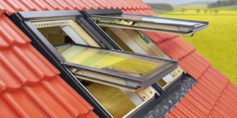 <br>FAKRO: Klapp-Schwing-Fenster für das Dachgeschoß